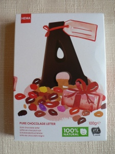 hema pure chocolate letter